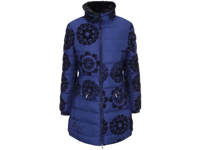 Tmavě modrý vzorovaný kabát Desigual Pruit
