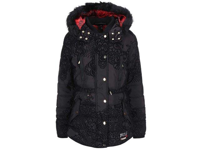 Černý kabát s kožešinovou kapucí Desigual Oh La La