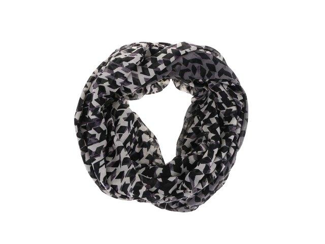 Černo-bílý dutý vzorovaný šátek Pieces Vilda