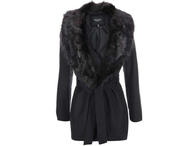 Černý dámský kabát s kožíškem Brave Soul Ada