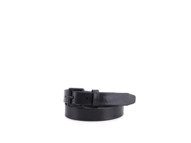 Černý úzký kožený pásek Selected Kali