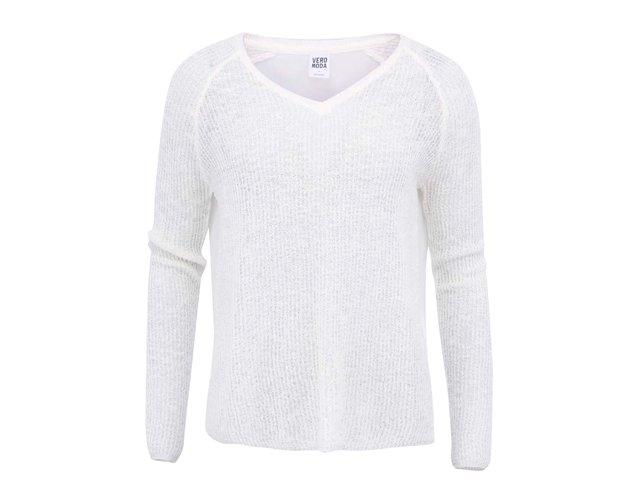 Bílý svetr s výstřihem do