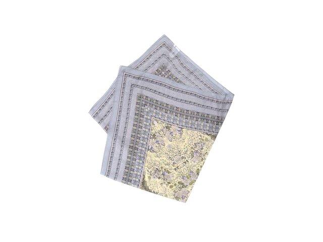 Šedý vzorovaný hedvábný šátek Pieces Josselia