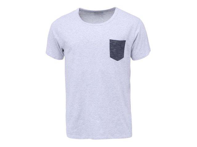 Světle šedé triko s pruhovanou kapsou Selected Indiana
