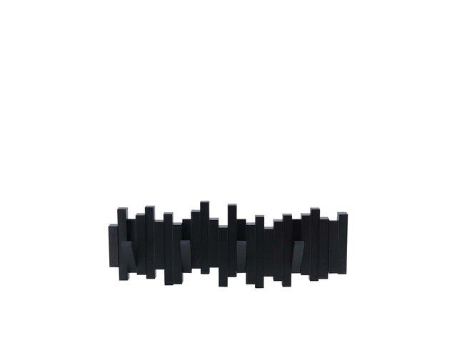 Černý dřevěný vyklápěcí věšák Umbra Sticks