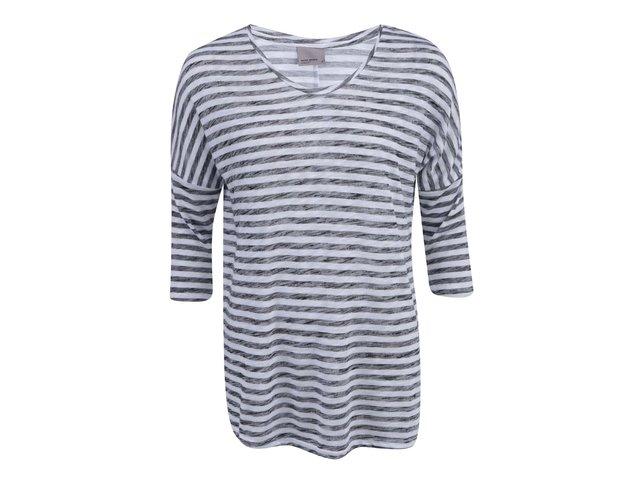 Šedo-bílé pruhované volnější tričko Vero Moda Anna