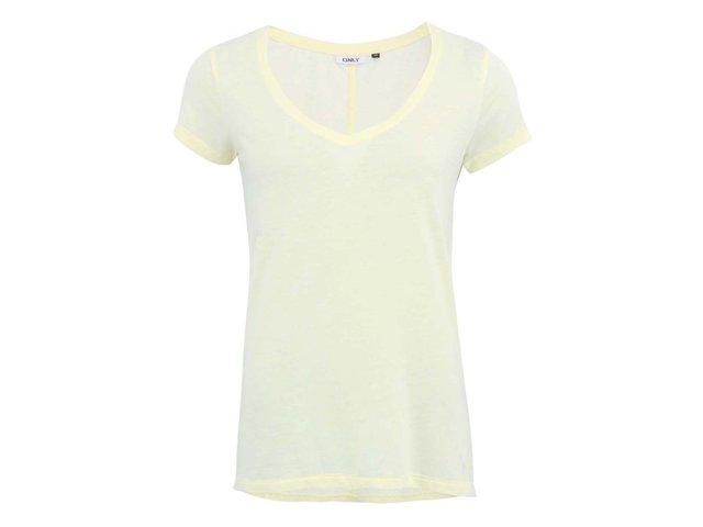 Žluté tričko s výstřihem do