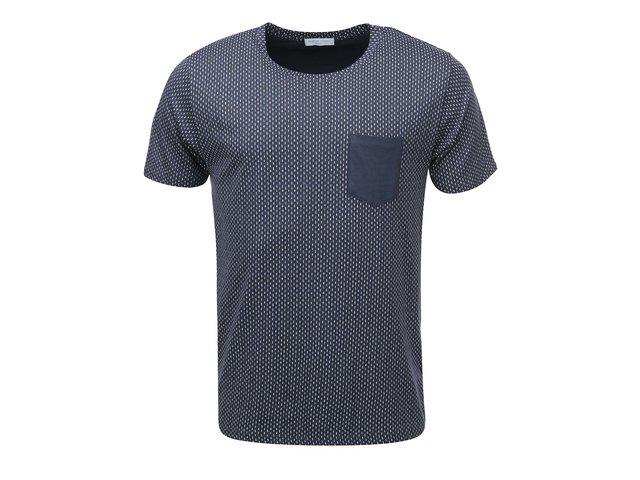 Tmavě modré vzorované triko s kapsou Selected New Indiana