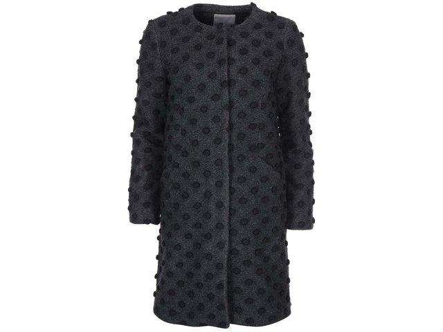Tmavě šedý kabát s 3D puntíky Vero Moda Dot