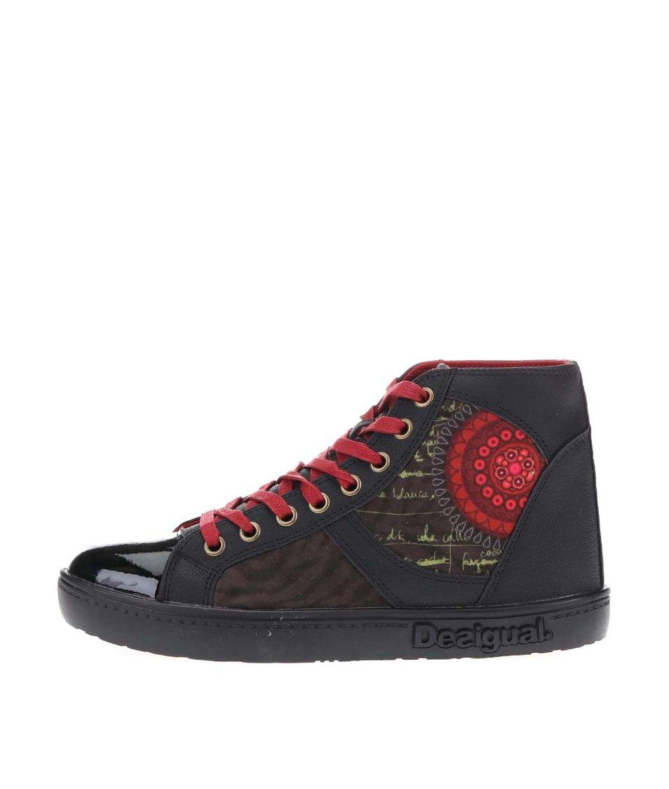 Černé kotníkové tenisky s červeným ornamentem Desigual