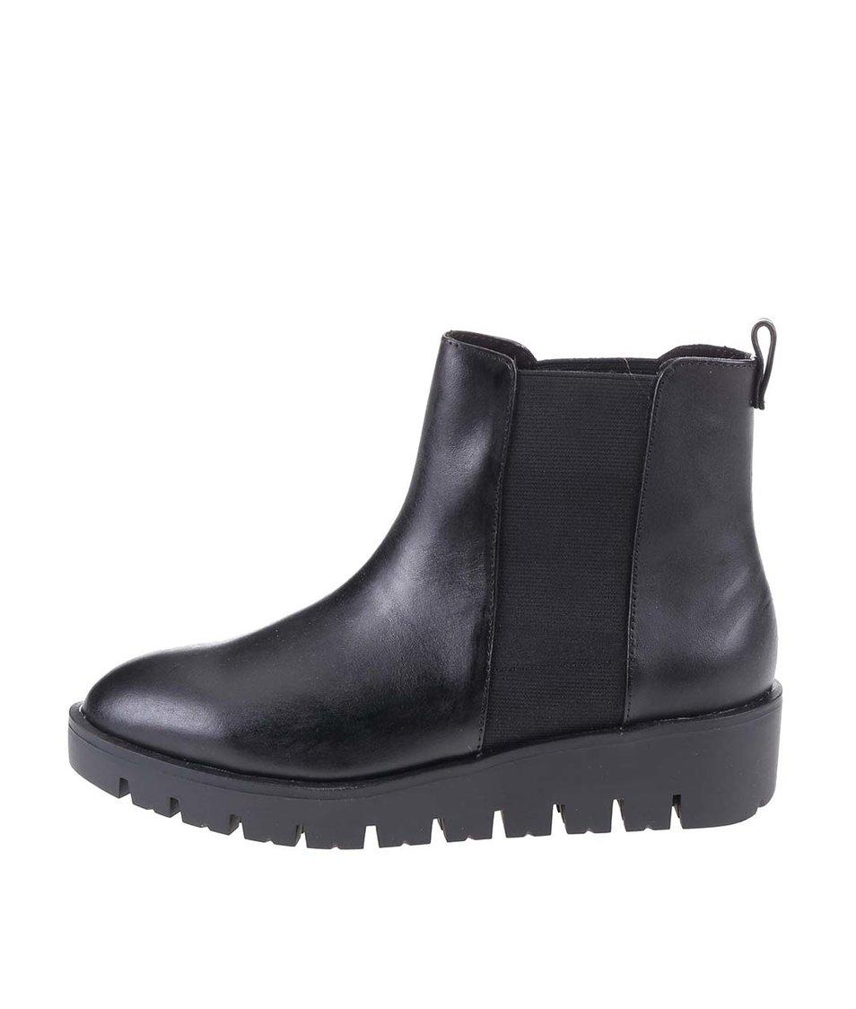 Černé dámské kožené kotníkové boty ALDO Evora
