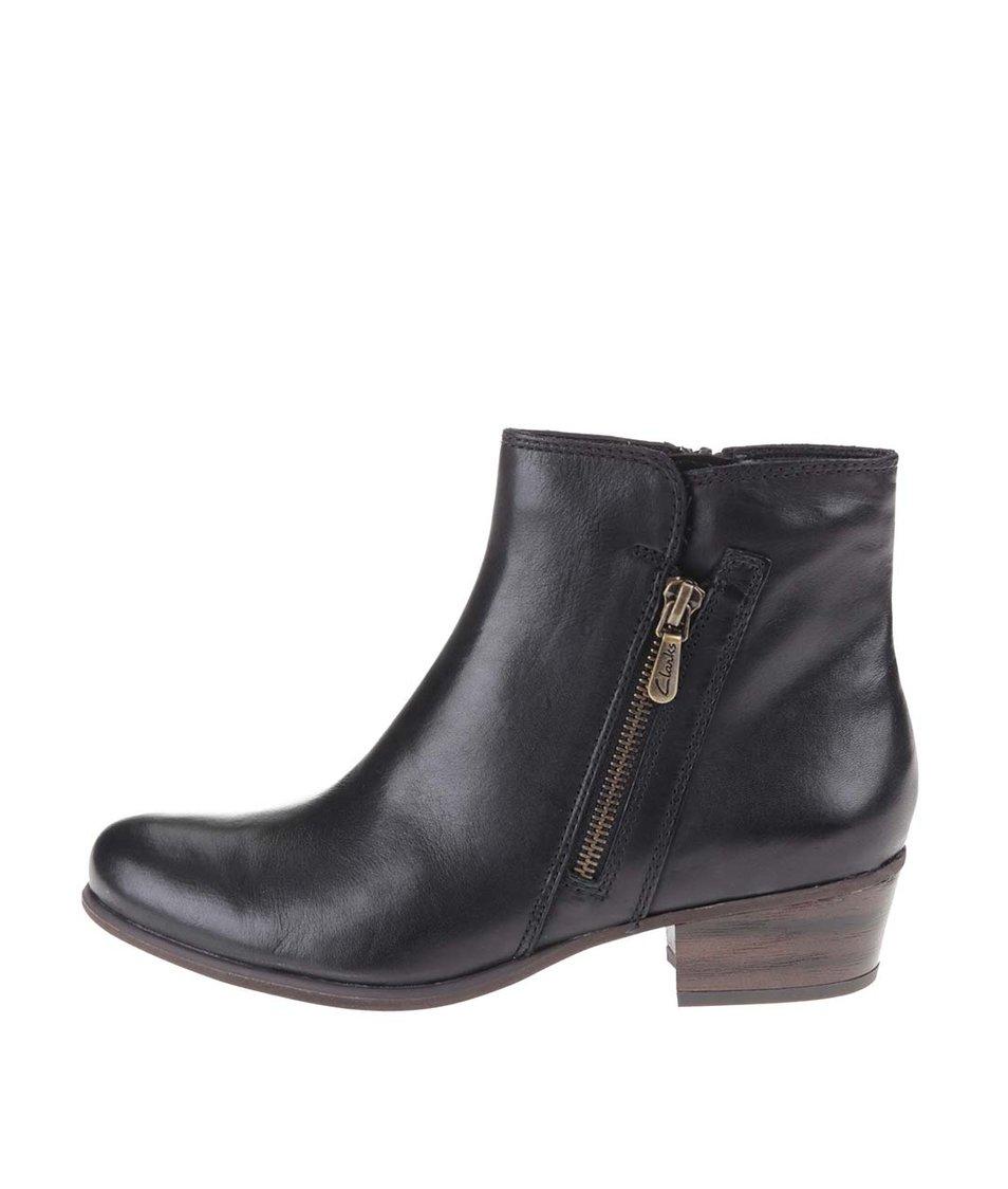 Černé kožené kotníkové boty na zip Clarks Langdon Place