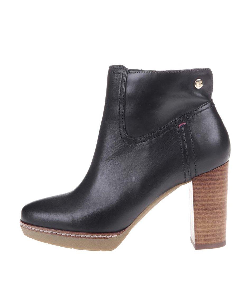 Černé kožené kotníkové boty na podpatku Tommy Hilfiger Jenina