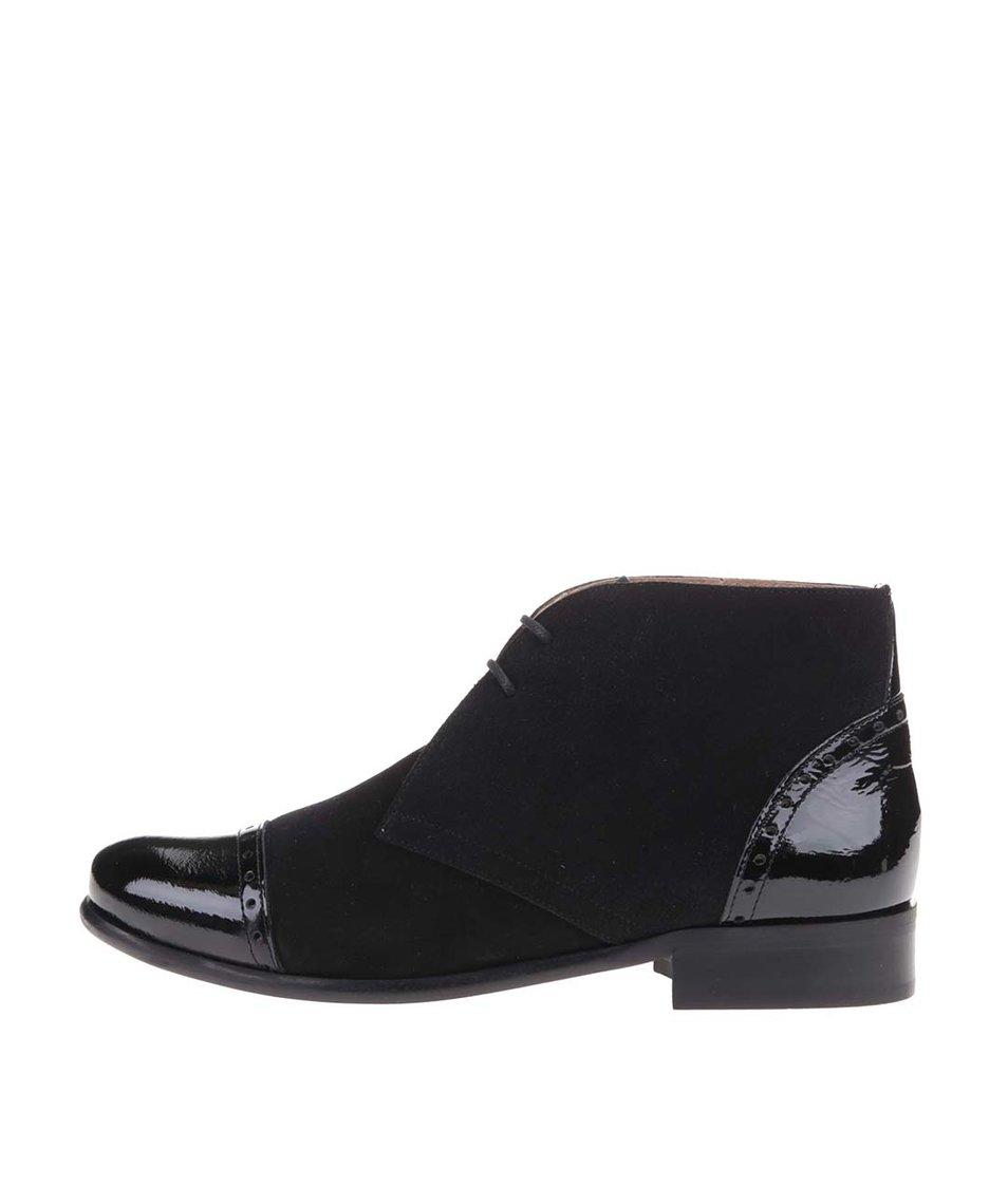 Černé kožené kotníkové boty s lesklými prvky OJJU