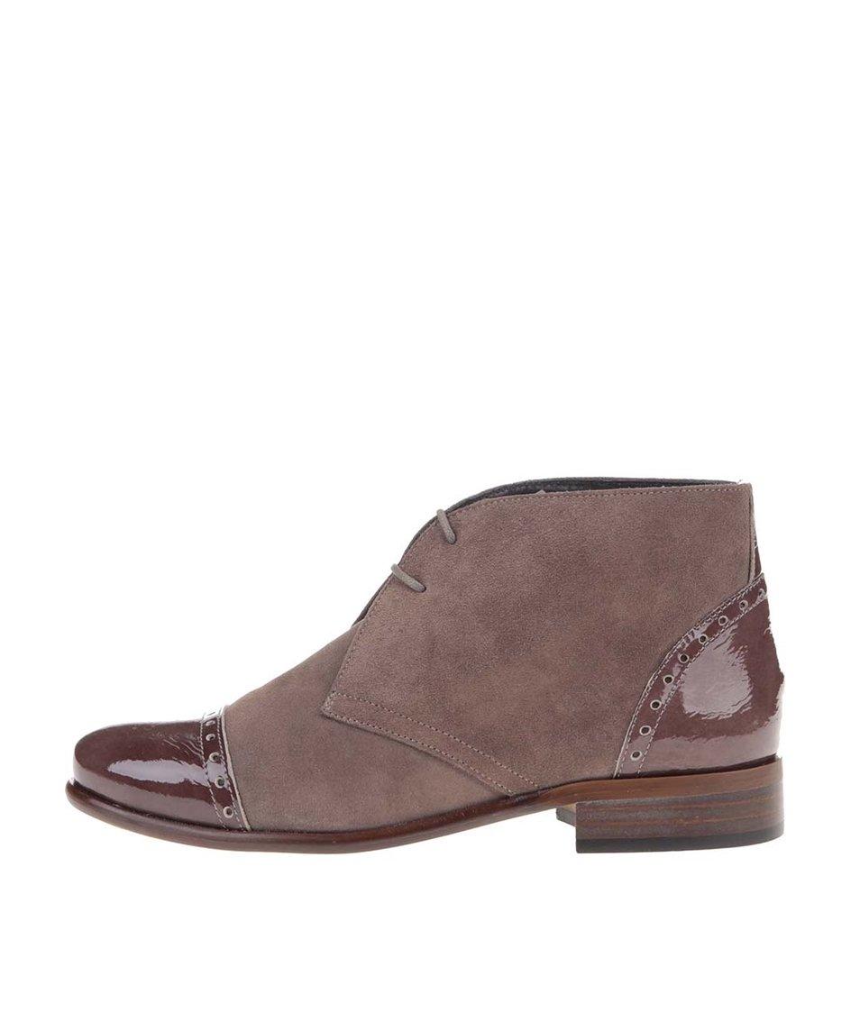 Hnědé kožené kotníkové boty s lesklými detaily OJJU