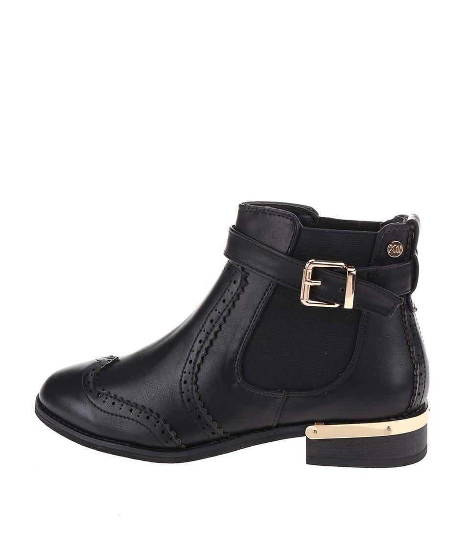 Černé kotníkové boty s detaily ve zlaté barvě Xti
