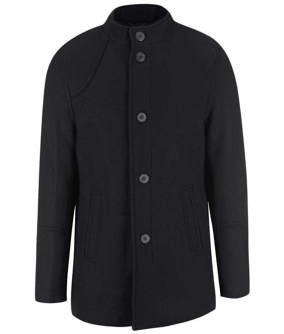 Černý kabát Selected Peer