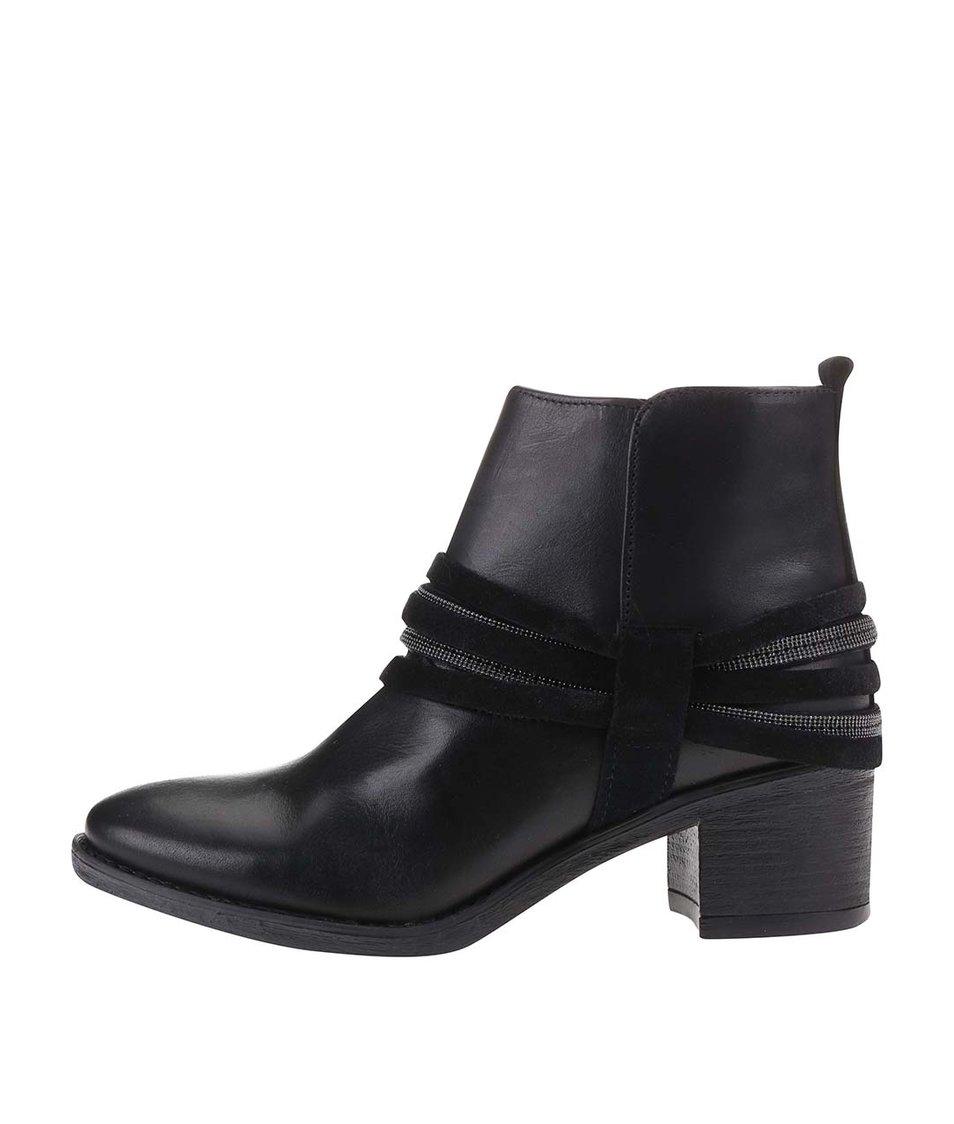 Černé kožené kotníkové boty na podpatku Bullboxer