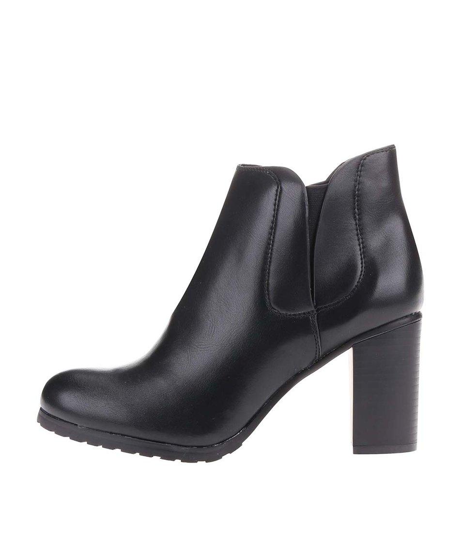 Černé kotníkové boty na podpatku Pieces Sumesh