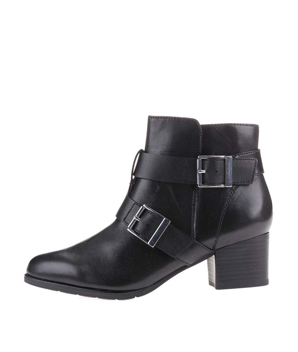 Černé dámské kožené kotníkové boty s přezkami s.Oliver