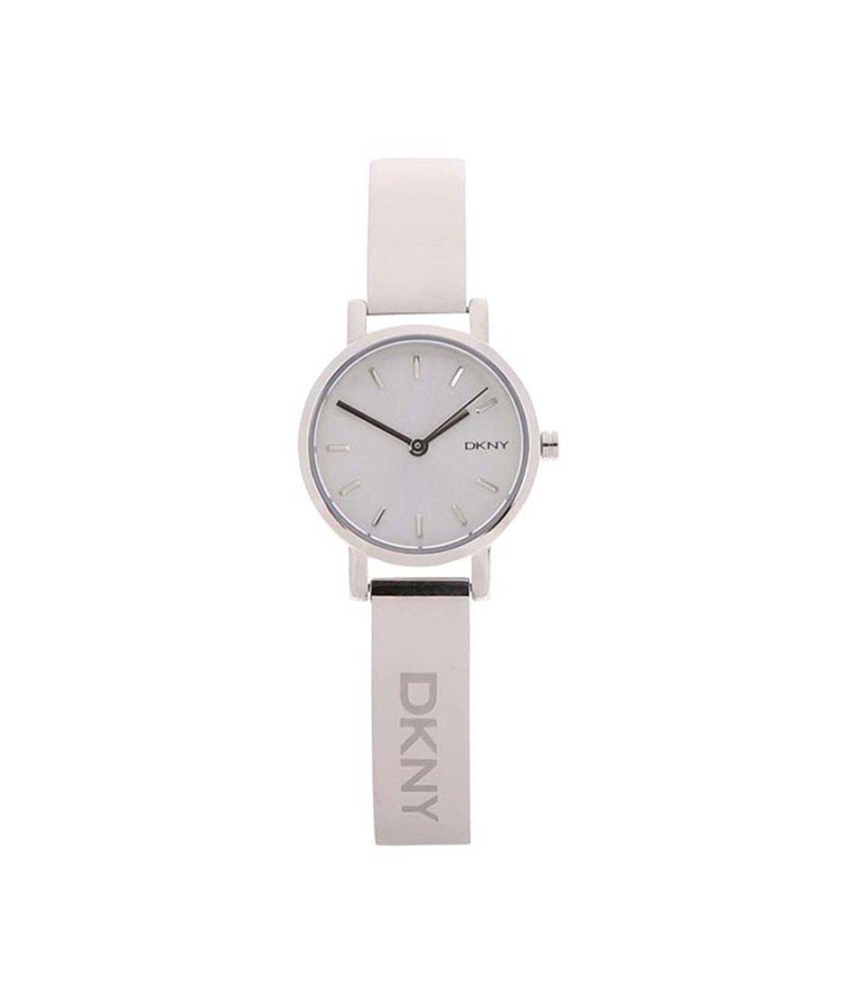 Dámské hodinky ve stříbrné barvě DKNY Soho