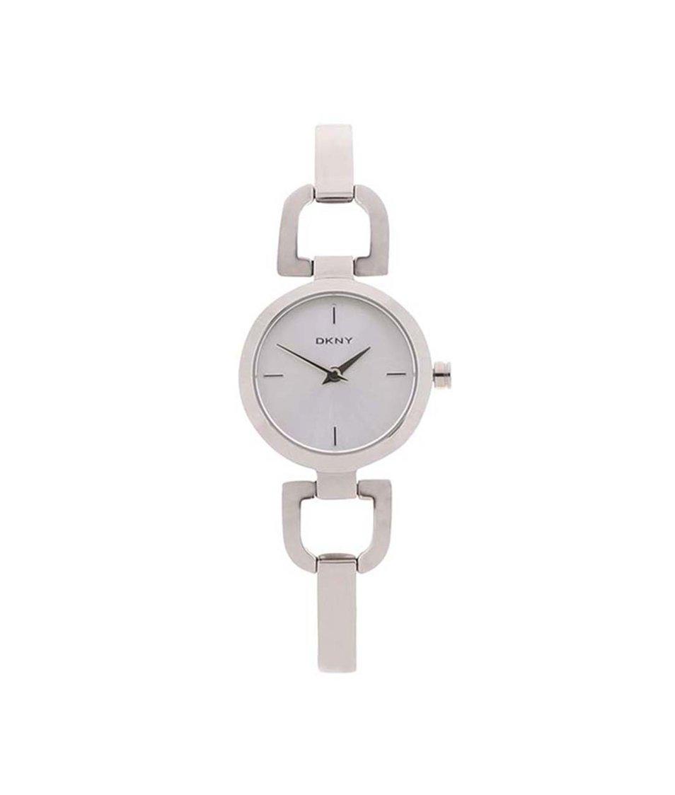 Dámské hodinky ve stříbrné barvě DKNY Reade