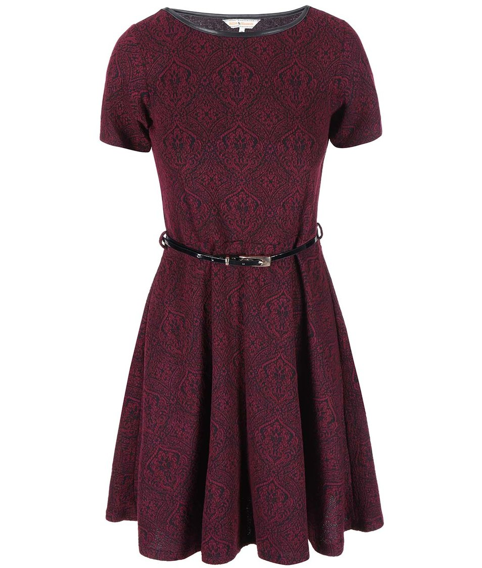 Vínové šaty s žakárovým vzorem a s páskem Dorothy Perkins