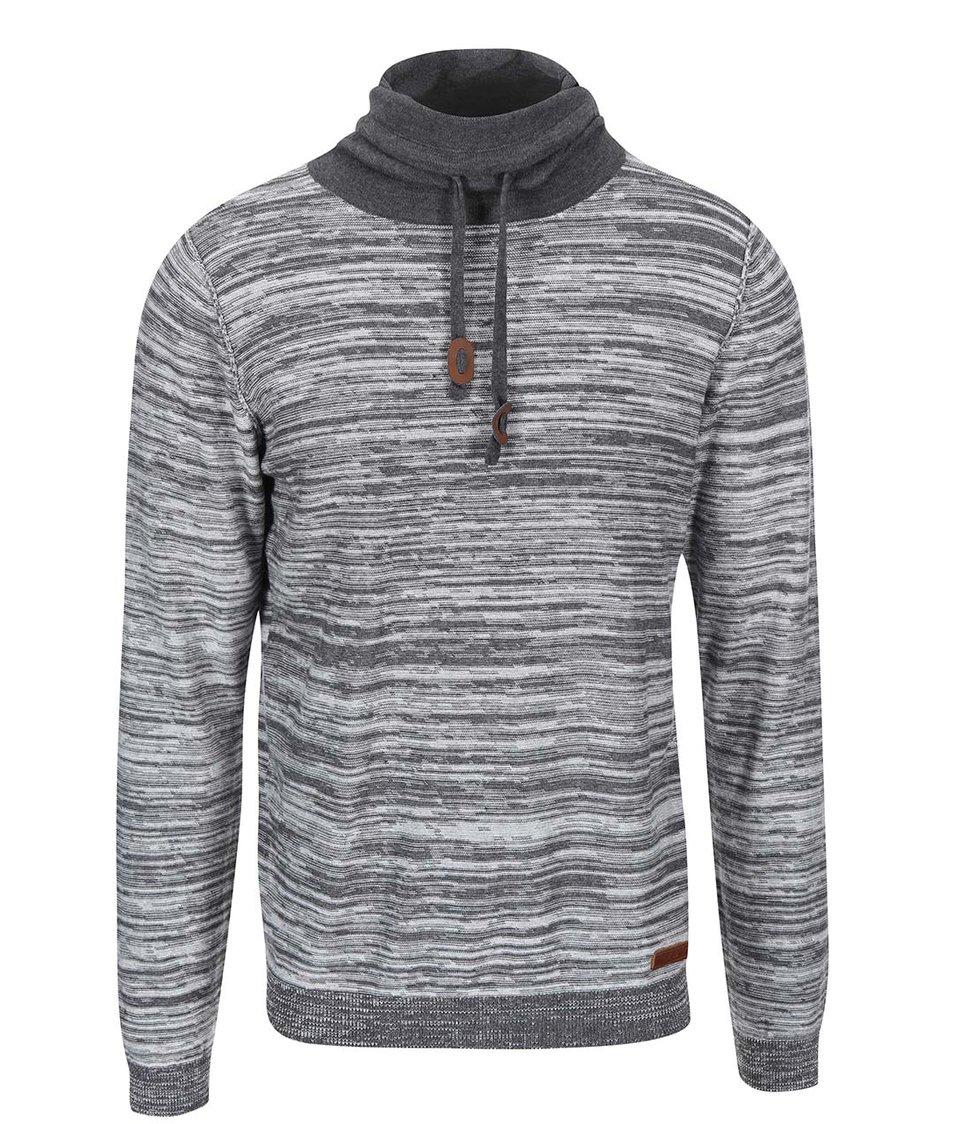 Světle šedý žíhaný svetr s vysokým límcem Blend