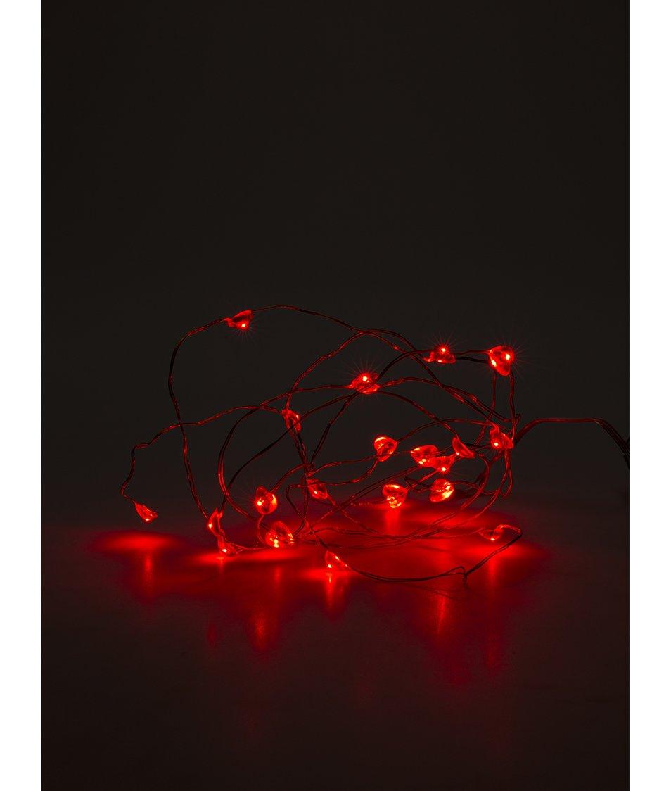 Červený světelný řetěz se srdíčky na baterie Sirius
