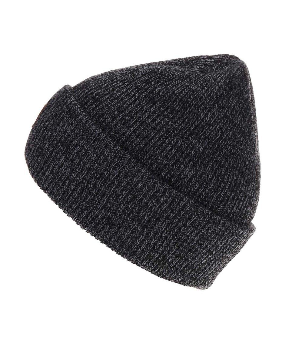 Tmavě šedá zimní čepice s nášivkou Quiksilver The Beanie