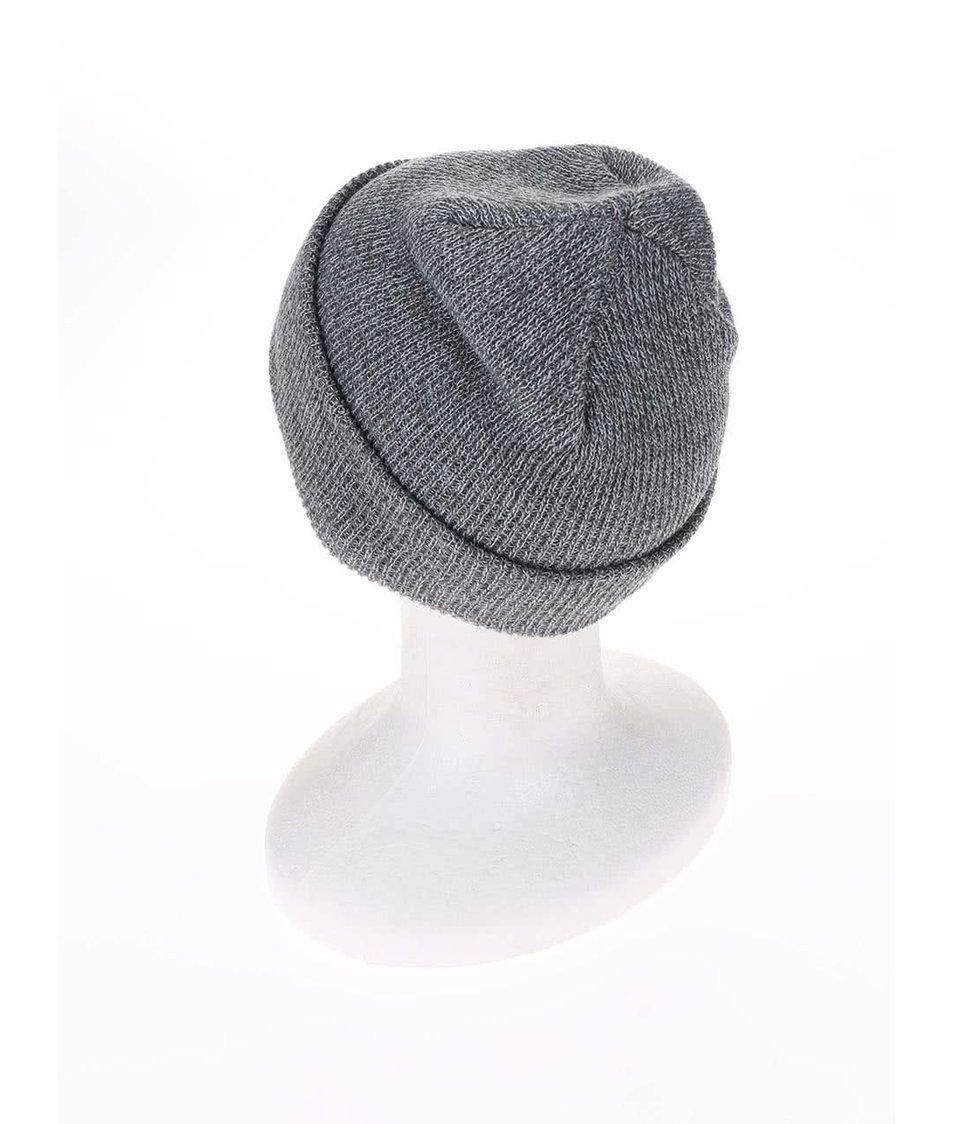 Šedá zimní čepice s nášivkou Quiksilver The Beanie