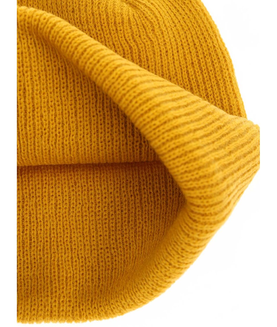 Žlutá zimní čepice s nášivkou Quiksilver The Beanie