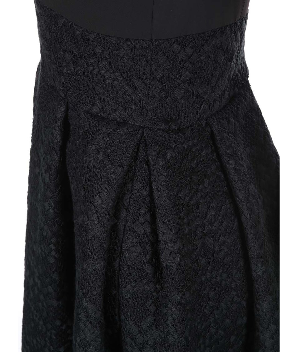 Černé šaty s áčkovou sukní Closet