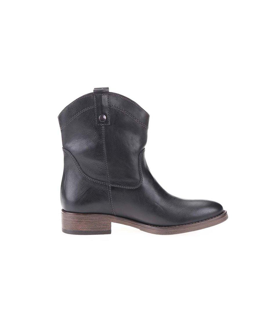 Černé kožené prošívané kotníkové boty Tamaris