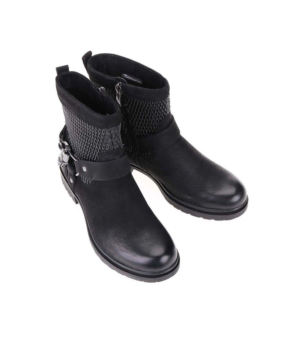 Černé kožené kotníkové boty s výraznou přezkou Tamaris