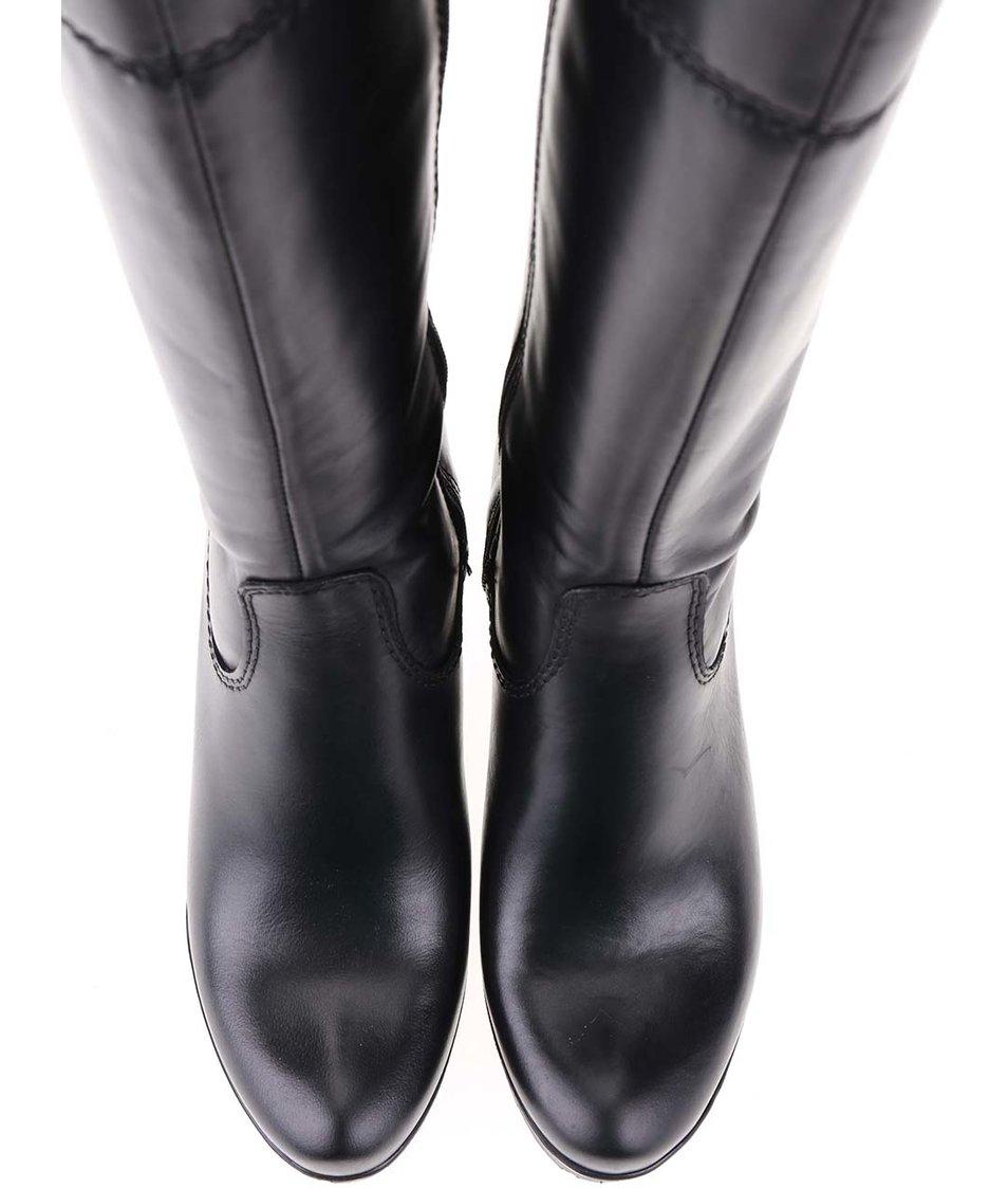 Černé kožené kozačky na podpatku s ozdobnými přezkami Tamaris