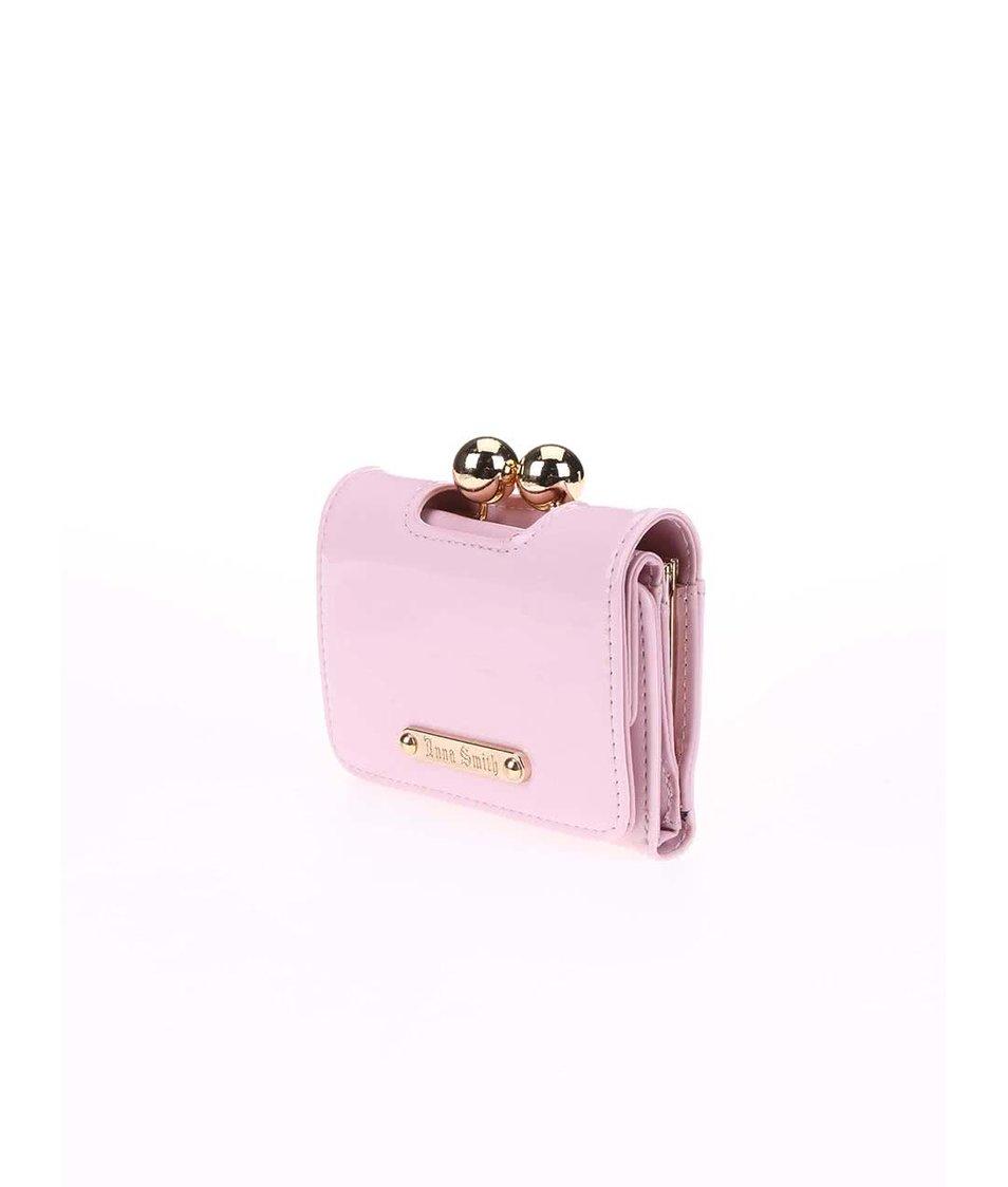 Růžová lakovaná peněženka s retro zapínáním Anna Smith