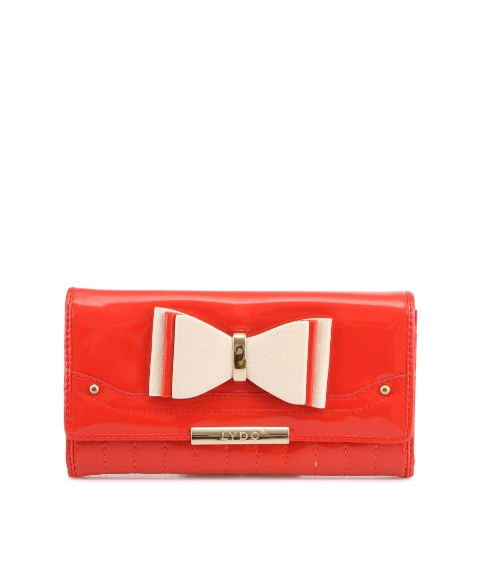 Červená lesklá peněženka s mašličkou LYDC