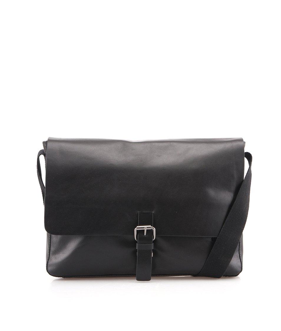 Černá kožená taška messenger Strellson Scott