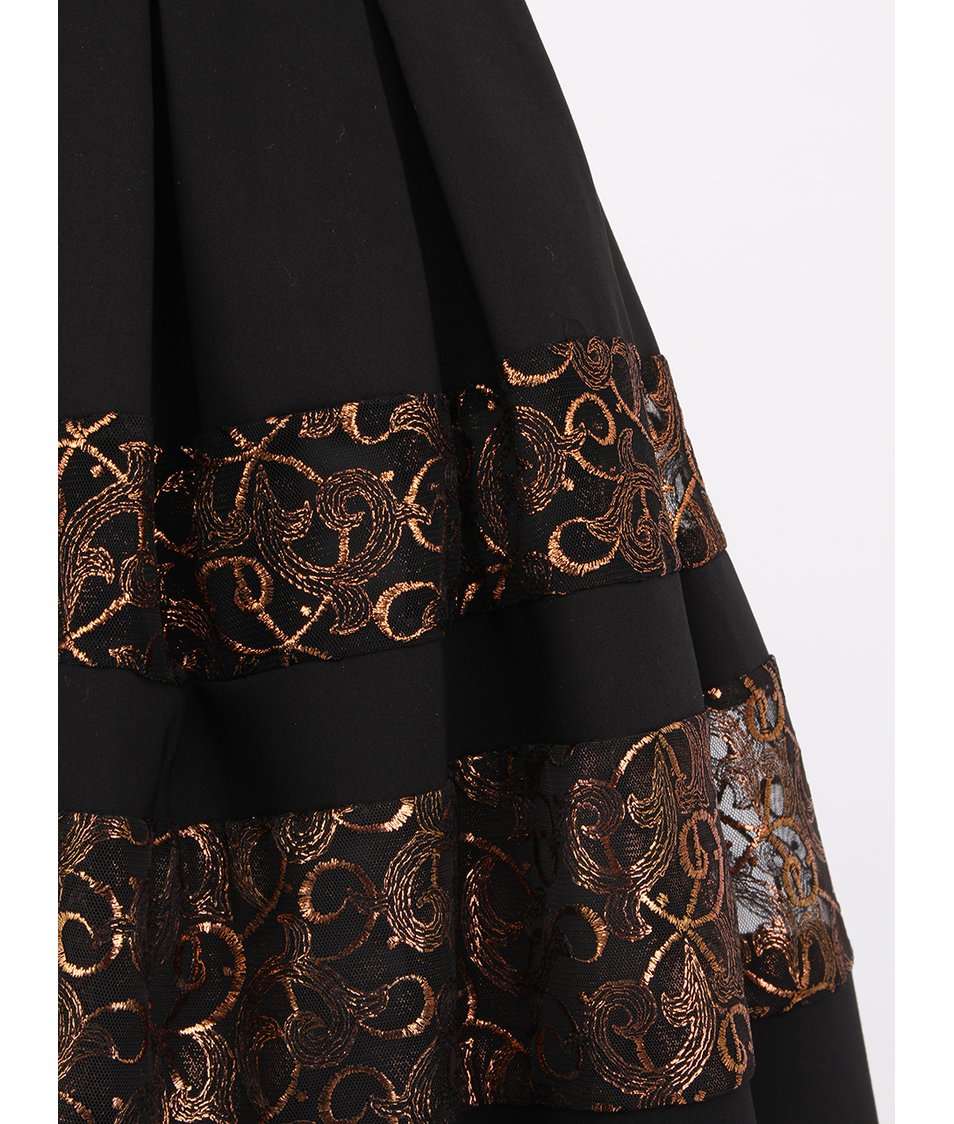 Černé šaty se dvěma pruhy Closet