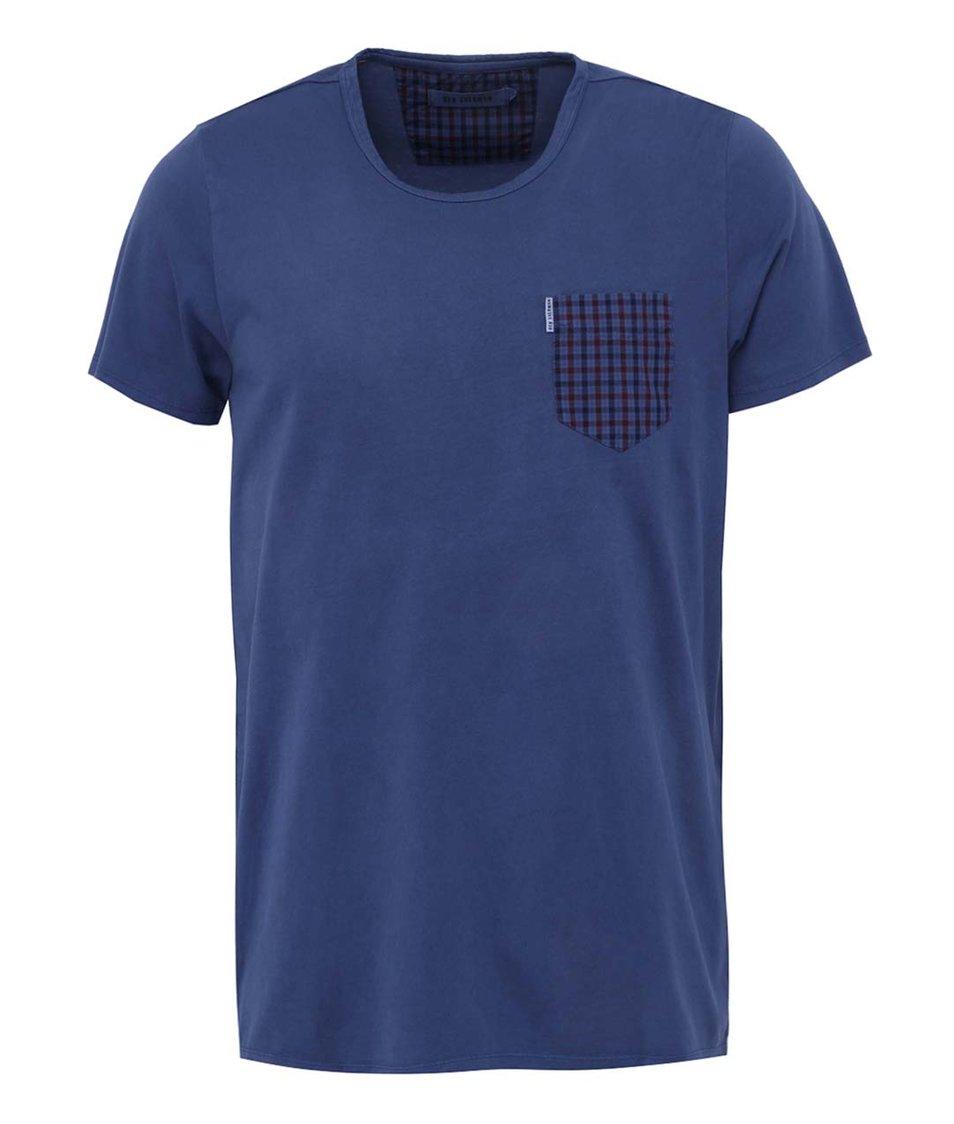Modré triko s kostkovanou náprsní kapsou Ben Sherman