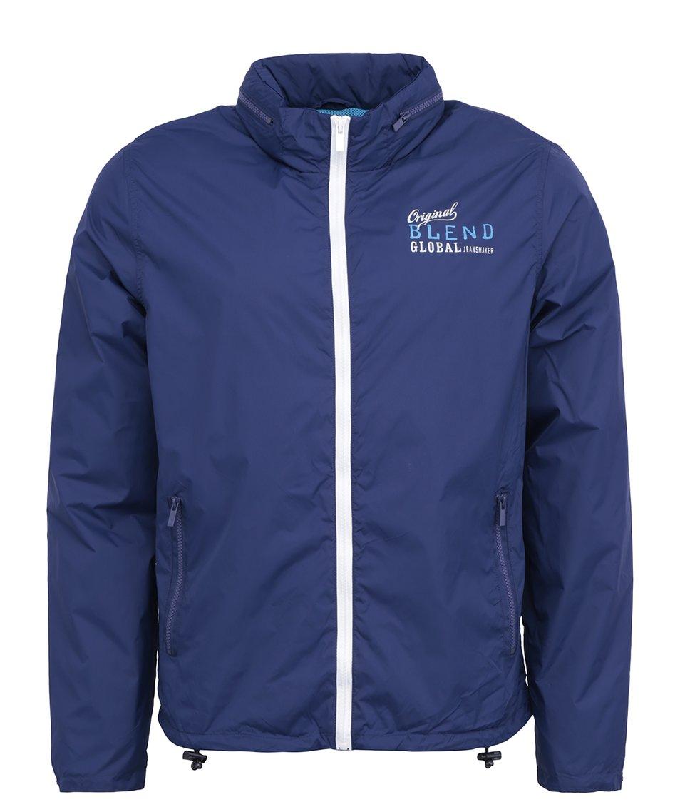 Modrá lehčí bunda s nápisem Blend