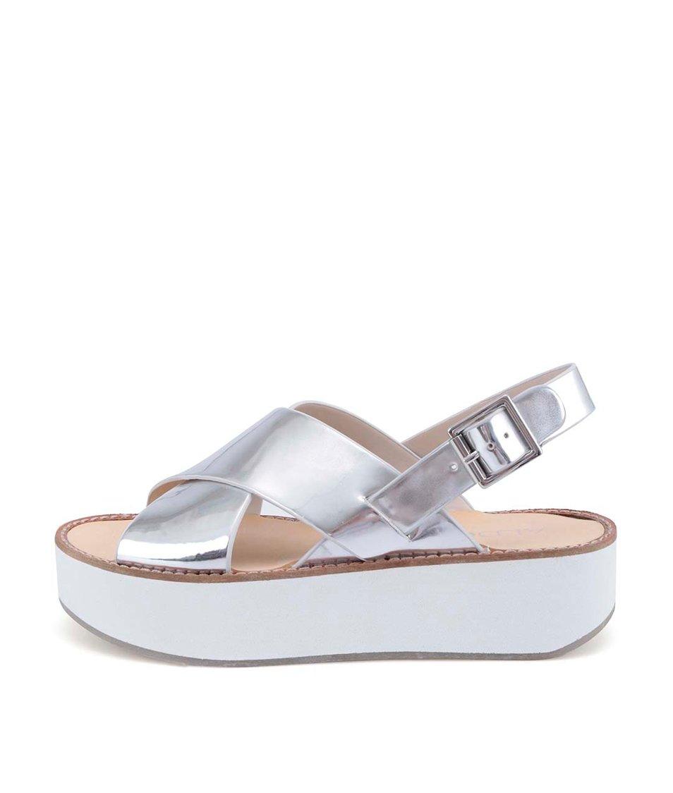Stříbrné sandálky na vyšší bílé platformě ALDO Glori