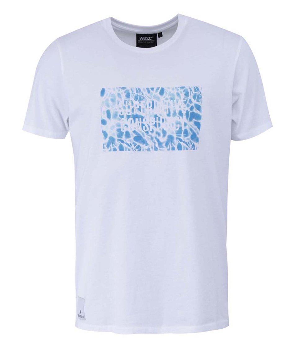 Bílé triko s modrým potiskem WeSC SC Pool