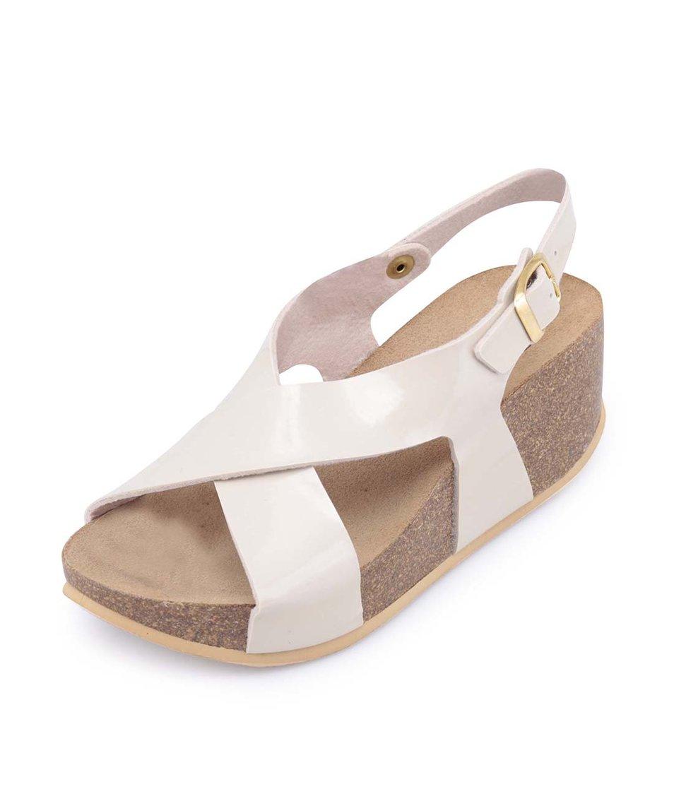 Béžové lesklé sandálky na klínku OJJU