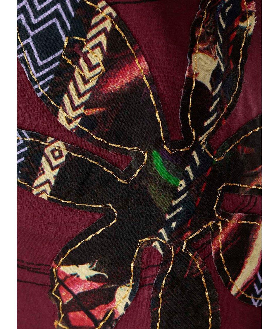Vínové tričko se vzorem Desigual Clara