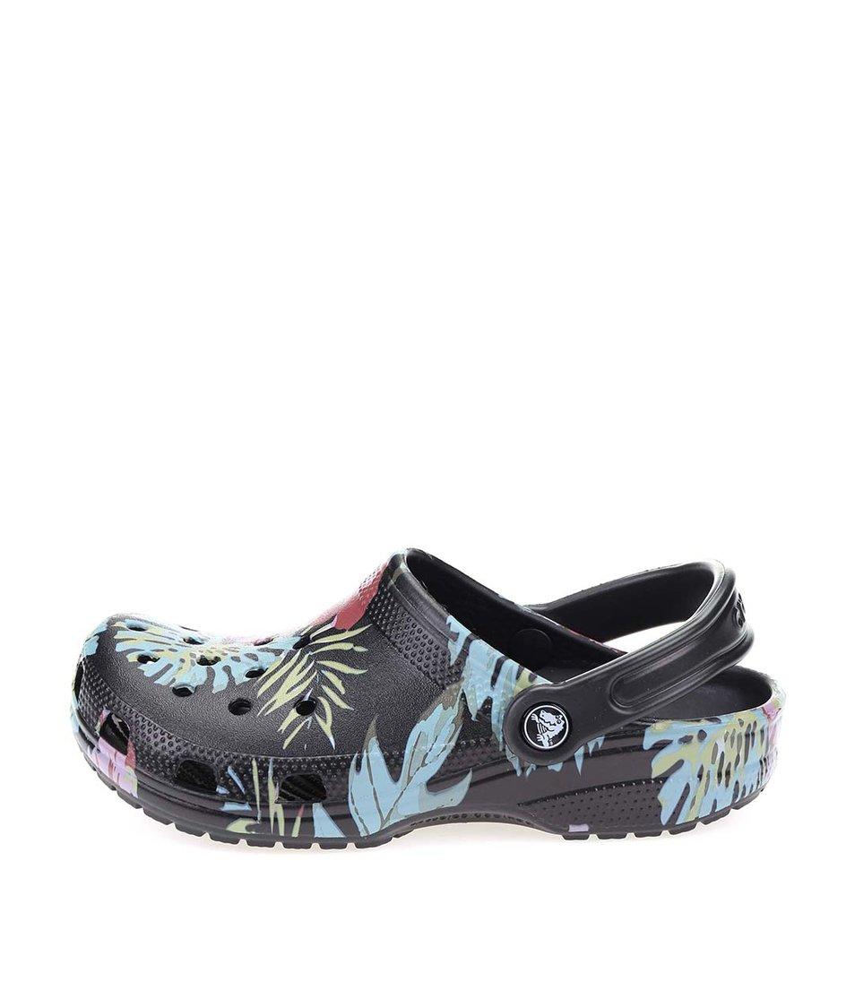 Černé dámské květované nazouváky Crocs Classic
