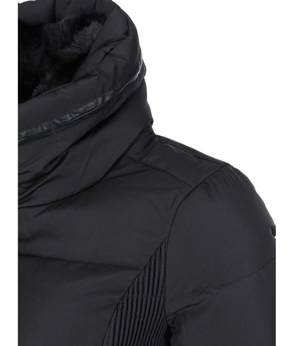 Černá péřová bunda Vero Moda Alice