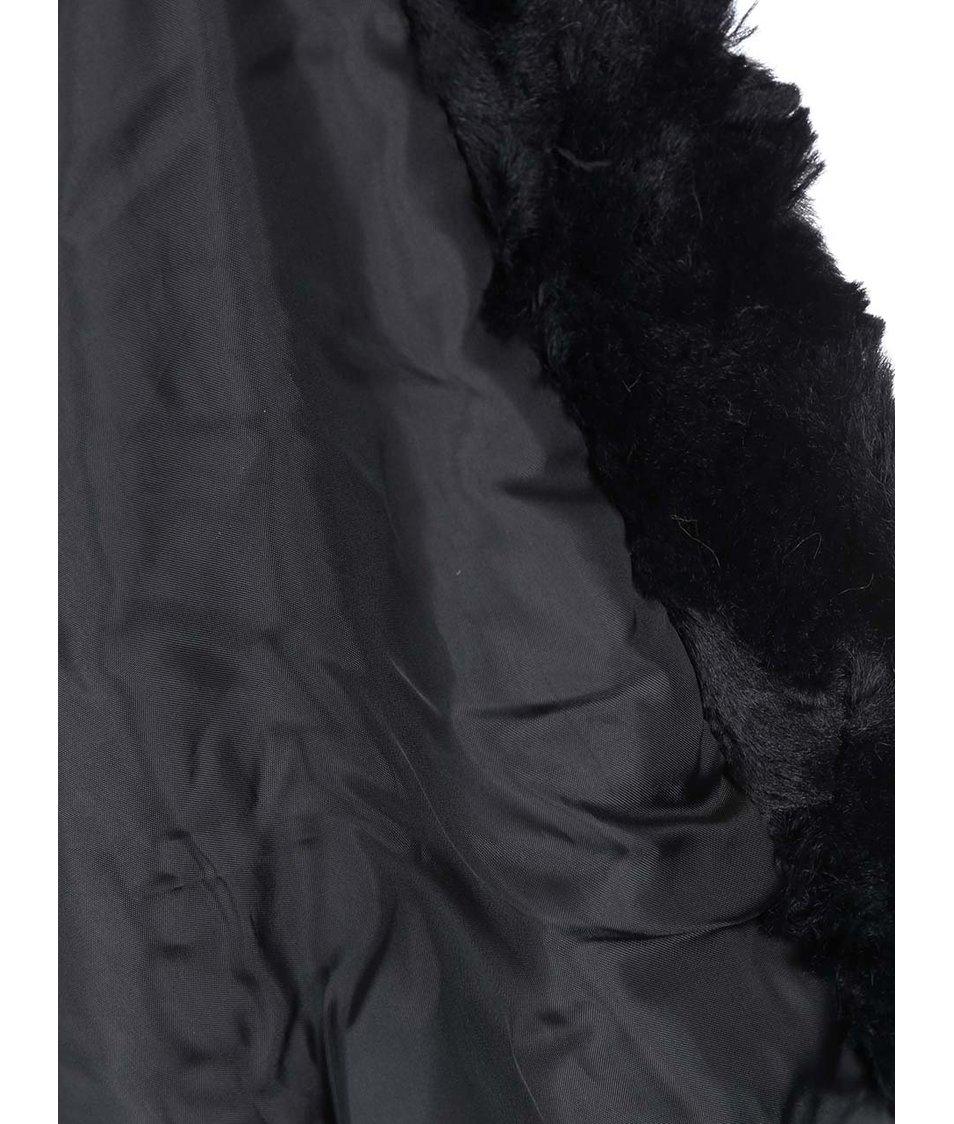 Černá kožešinová vesta s páskem Vero Moda Maina