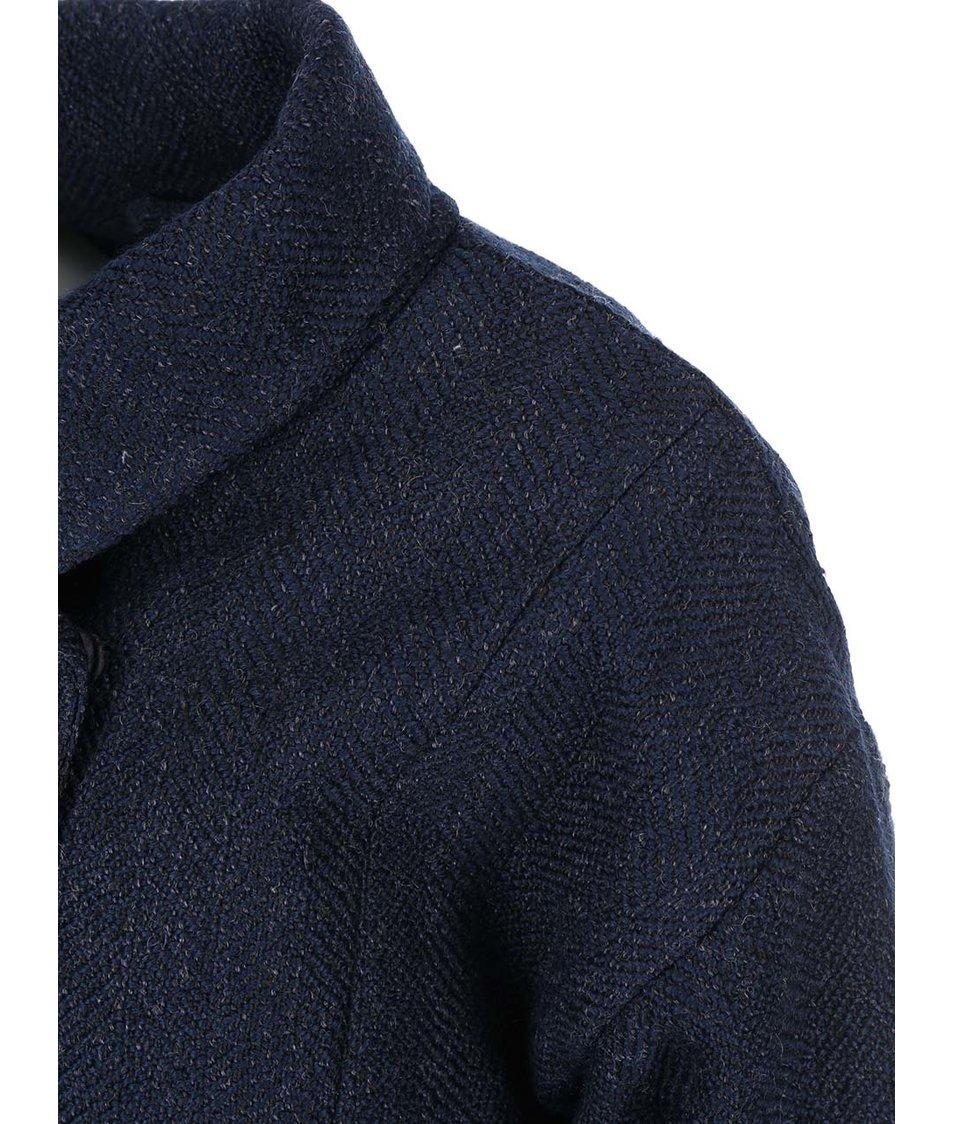 Tmavě modrý kratší kabát s vysokým límcem VILA Lie